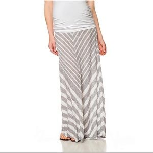 Motherhood Maternity Secret Fit Chevron Skirt